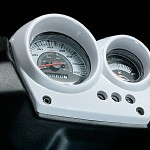 Yamaha Aerox R posiada ciekawe zegary, brak jednak obrotomierza