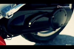 Peugeot Speedfight 3 posiada silnik 2T 50 ccm.