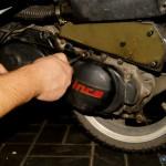 Sprawdzamy mocowanie silnika, filtrów oraz stan śrub.