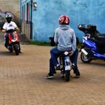 Jeśli przed 2013 rokiem ukończysz 18 lat, lub zdobędziesz kartę motorowerową nowe przepisy ominą Cię.