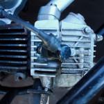 Głowica silnika czterosuwowego o pojemności 50 ccm.