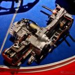 Silnik czterosuwowy (4T) jest o wiele bardziej skomplikowany.