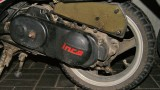Jak wyczyścić gąbkowy filtr powietrza w swoim skuterze lub motocyklu?