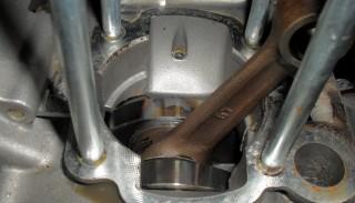 Wymiana cylindra 2T w skuterze: Demontaż