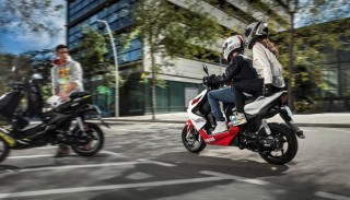 Jazda bez prawka i bez odpowiedniej kategorii motocyklem. O konsekwencjach, mandatach i…