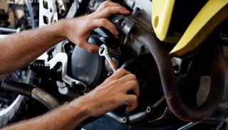 Blokady w motocyklach i skuterach 125 ccm: Gdzie ich szukać?