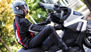 Buty motocyklowe: Dlaczego są tak ważnym elementem każdego motocyklisty?