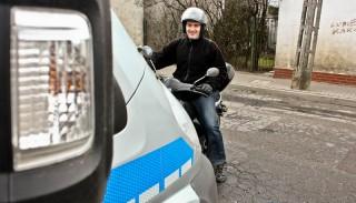 Mandat za jazdę bez dokumentów. Co grozi za jazdę bez papierów od motocykla?