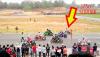 Skuter 125 vs Honda CBR 1000 RR - wyścig  na torze