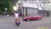 Złodziej ucieka przed policją na skuterze - zobacz finał pościgu