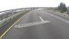 Drabina na środku drogi i niezwykle szczęście motocyklisty