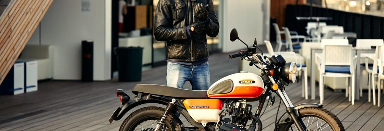 Jak nowe przepisy wpłynęły na sprzedaż motocykli 125 ccm w 2014 r?