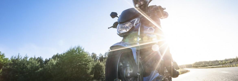Junak RS 125 Pro: Popularny RS dostał chłodzenie cieczą i drugi hamulec tarczowy