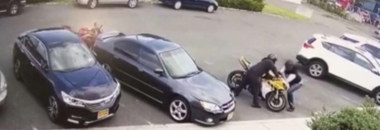 Kradzież motocykla: Zabezpieczyłeś sprzęt tylko blokadą na kierownicę? Czyli nie zabezpieczyłeś!