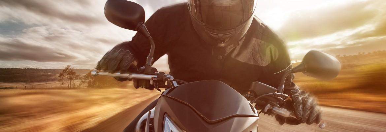 Jaki kask na motocykl? Czym kierować się kupując kask