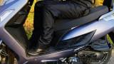 Technika jazdy motocyklem i skuterem w korku: Wciągnij podwozie