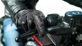 System CBS: Kombinowany układ hamulcowy w motocyklu. Co to jest i jak działa?
