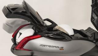 Trójkołowy Peugeot Metropolis RS 400i: Prezentacja Skuterowo.com