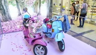 Vespa: włoski skuter na krakowskich salonach