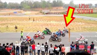 Skuter 125 vs Honda CBR 1000 RR – wyścig  na torze