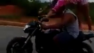 Honda Hornet i ekstremalnie nieodpowiedzialne wheelie