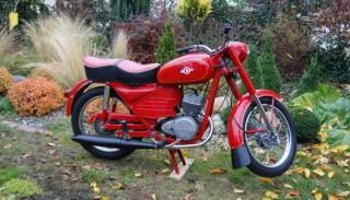 WSK 125: Kochajmy stare motocykle, bo tak szybko odchodzą