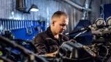 Jaki olej lać do motocykla i skutera? Czy nadaje się olej samochodowy? #2 Mechanik Jednoślad.pl