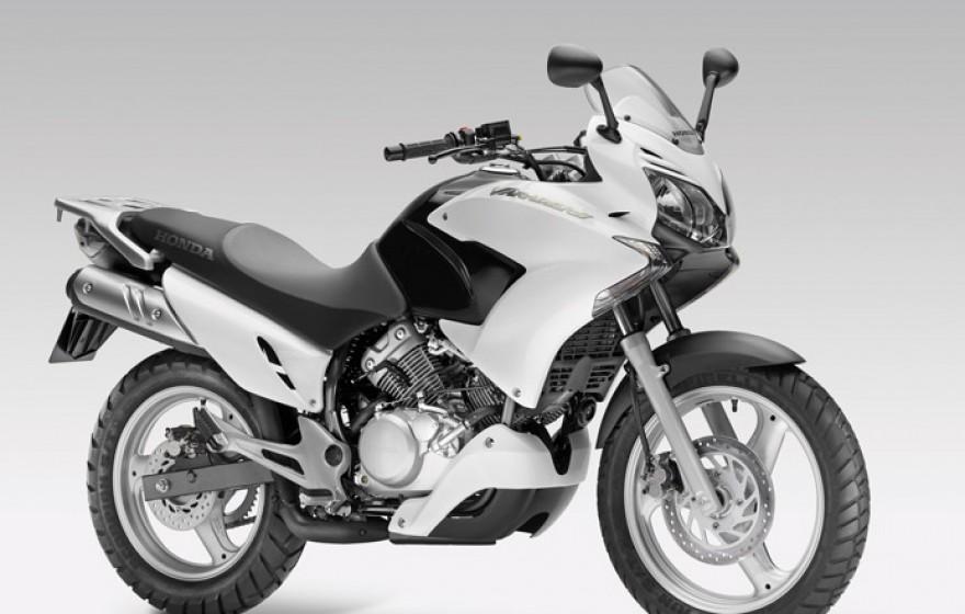 honda varadero 125 najlepsze filmy i opinie skutery motorowery motocykle 125. Black Bedroom Furniture Sets. Home Design Ideas