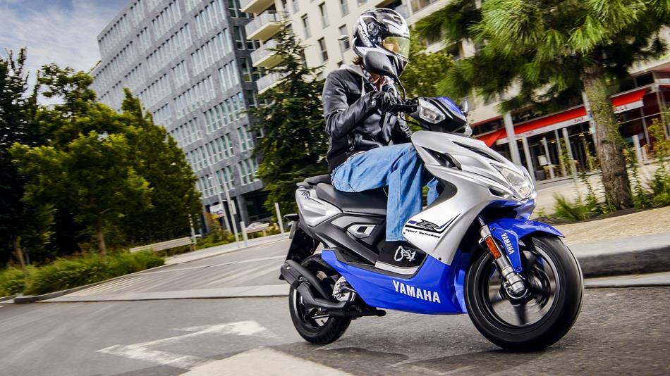 Yamaha Aerox R Naked: Zdjęcia, Opis, Cena, Dane techniczne