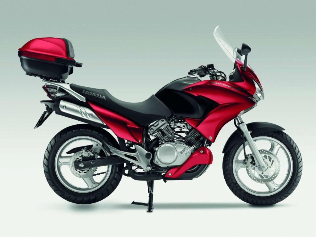 honda varadero 125 motocykl jedyny w swoim rodzaju motocykle skutery motorowery opinie. Black Bedroom Furniture Sets. Home Design Ideas