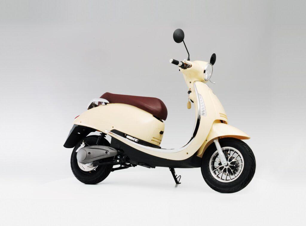Bardzo dobra Skuter lub motocykl elektryczny: Czy zrezygnować z silnika CO82