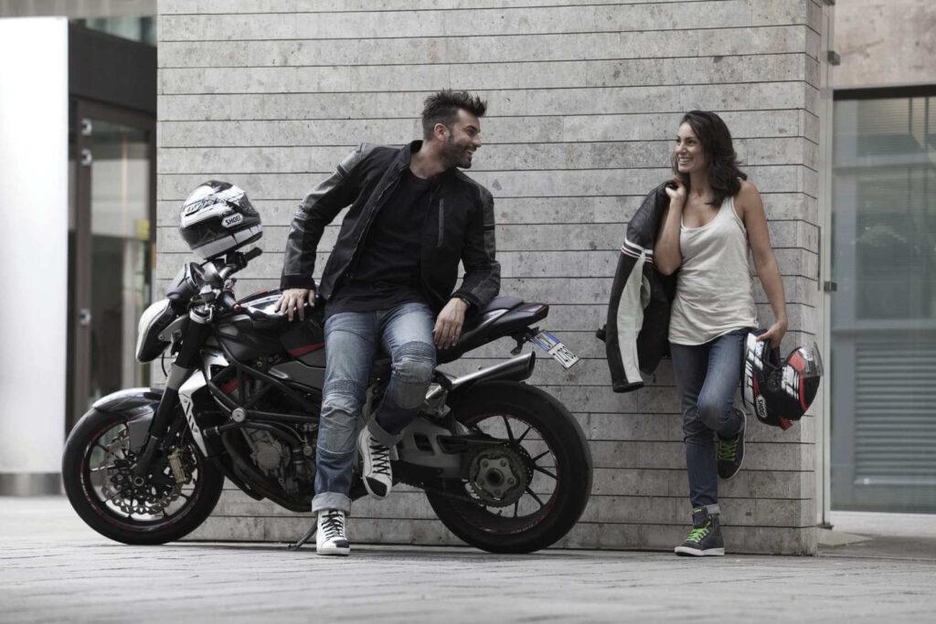 17b5e20a1bc63 Motocyklowa kurtka: Tekstylna czy skórzana? Co wybrać na motocyklowy ...