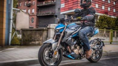 motocykl naked miasto ulica macna scorpion pmj