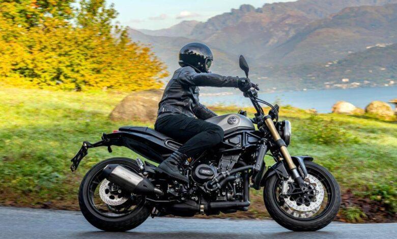 Benelli motocykl droga zakręt naked