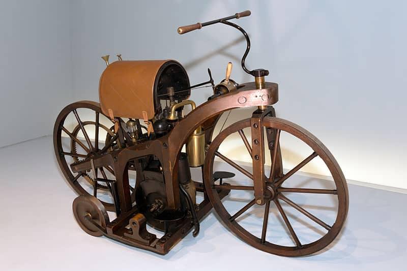 Daimler Reitwagen. Pierwszy motocykl świata
