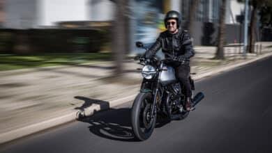 Moto Guzzi V7_Stone_Centenario