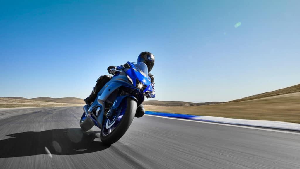 Yamaha R7 2021