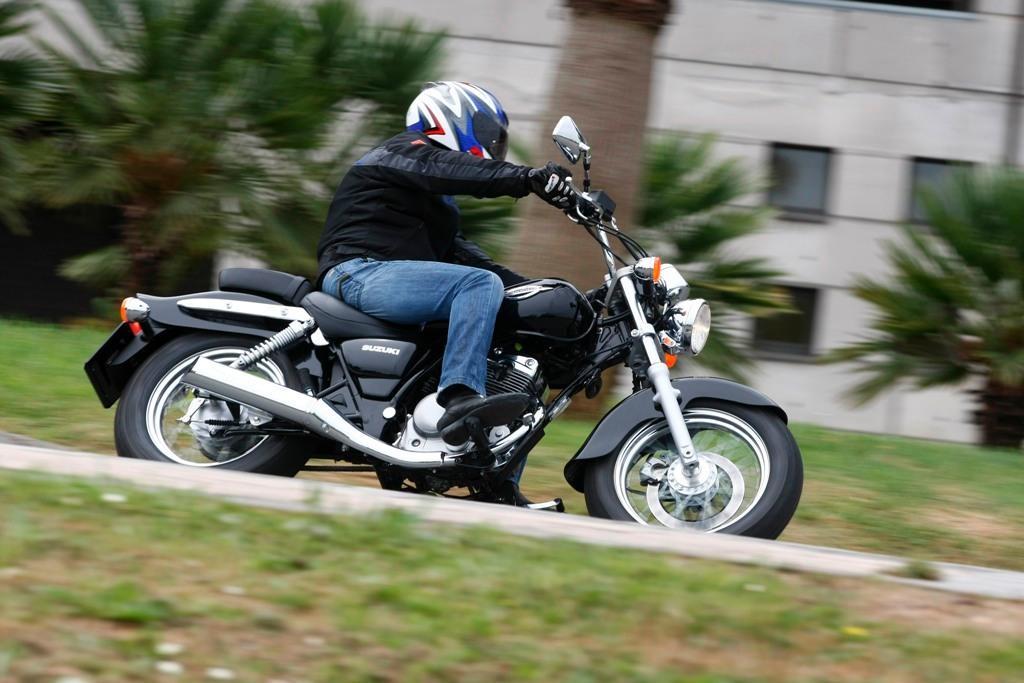u ywany motocykl suzuki marauder 125 czy warto kupi jedno motocykle skutery. Black Bedroom Furniture Sets. Home Design Ideas