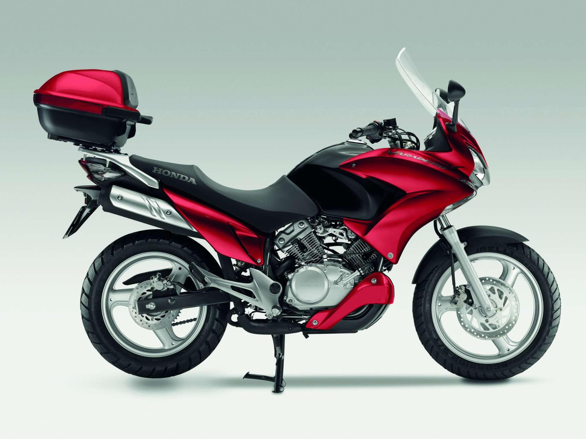 honda varadero 125 motocykl jedyny w swoim rodzaju jedno motocykle skutery. Black Bedroom Furniture Sets. Home Design Ideas