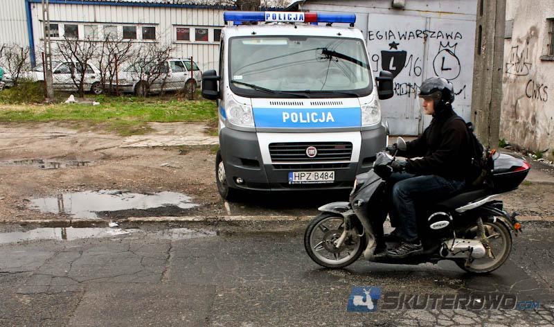 W Polsce lepiej doposażyć policję, a nie tworzyć kolejne instytucje